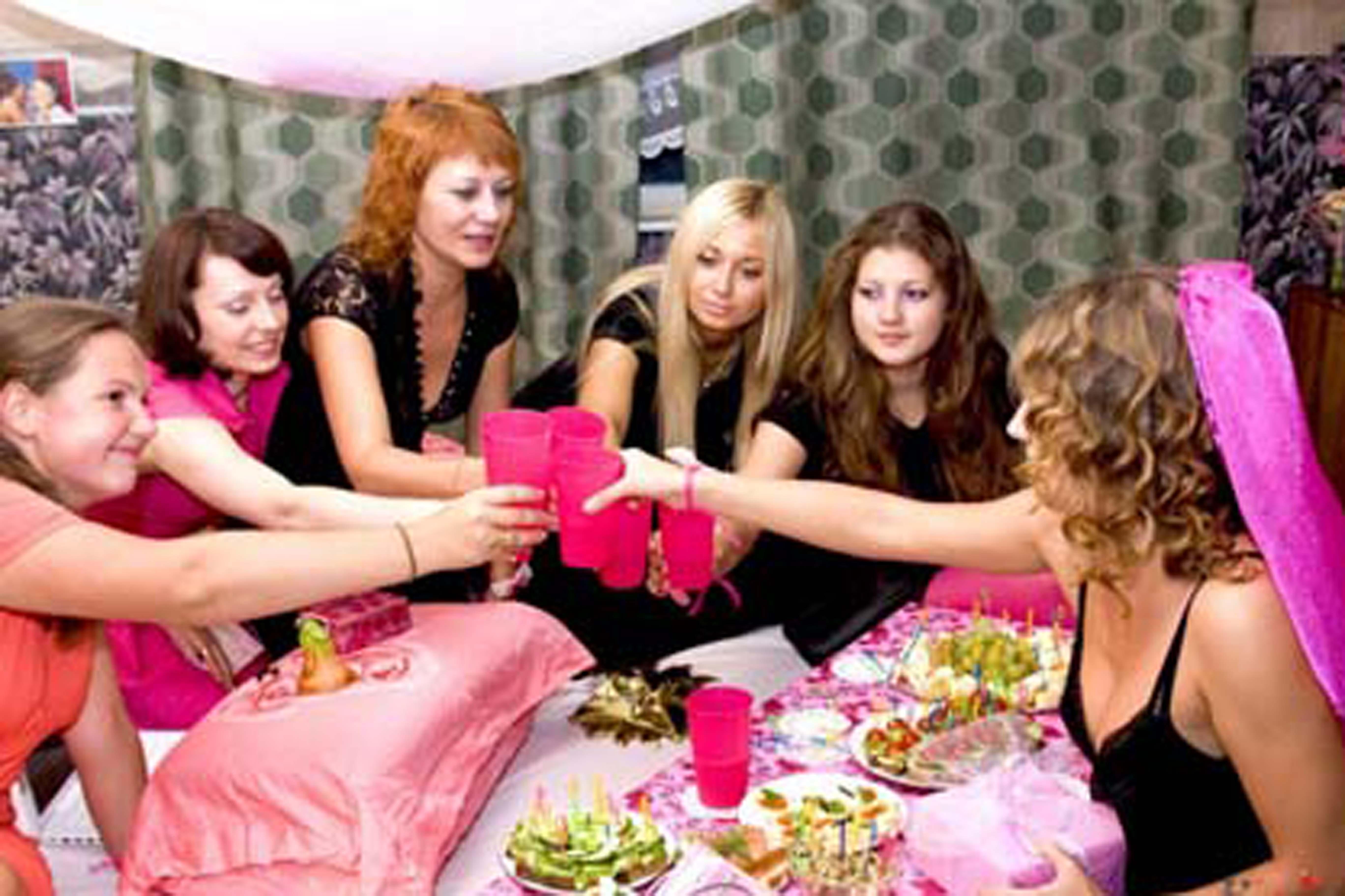 Смотреть онлайн русские девичники перед свадьбой 27 фотография