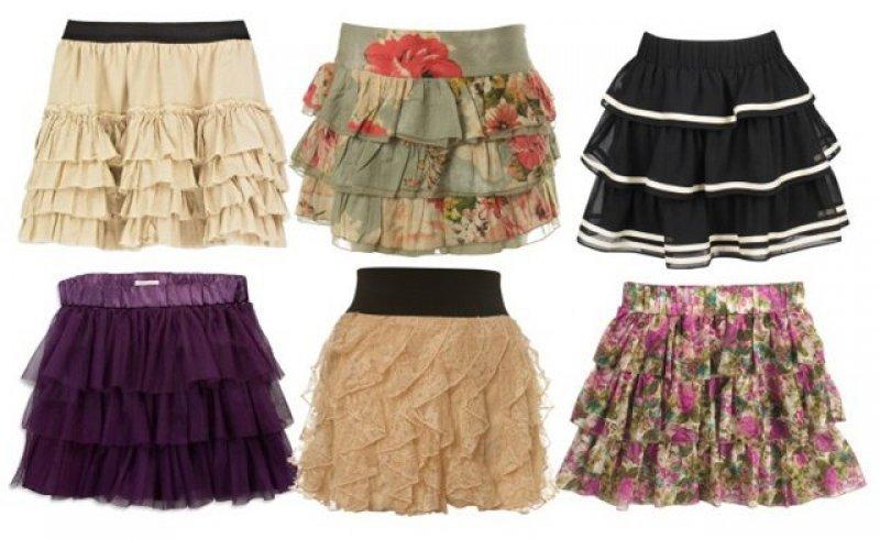 Летние юбки 2011 Фото К летним юбкам в 2011 году можно отнести и юбку колокольчик, но лучше