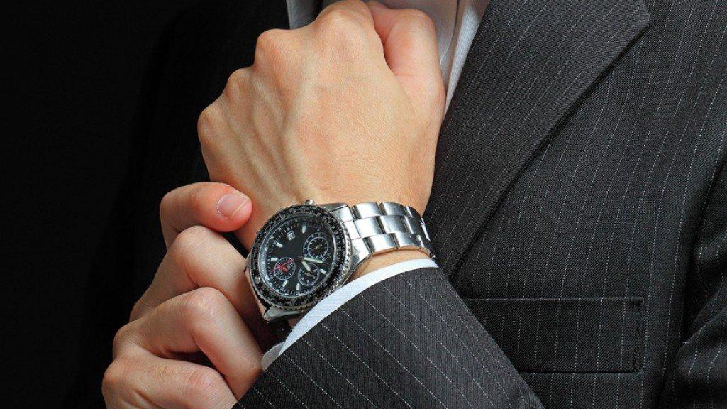 дарят ли часы на руку